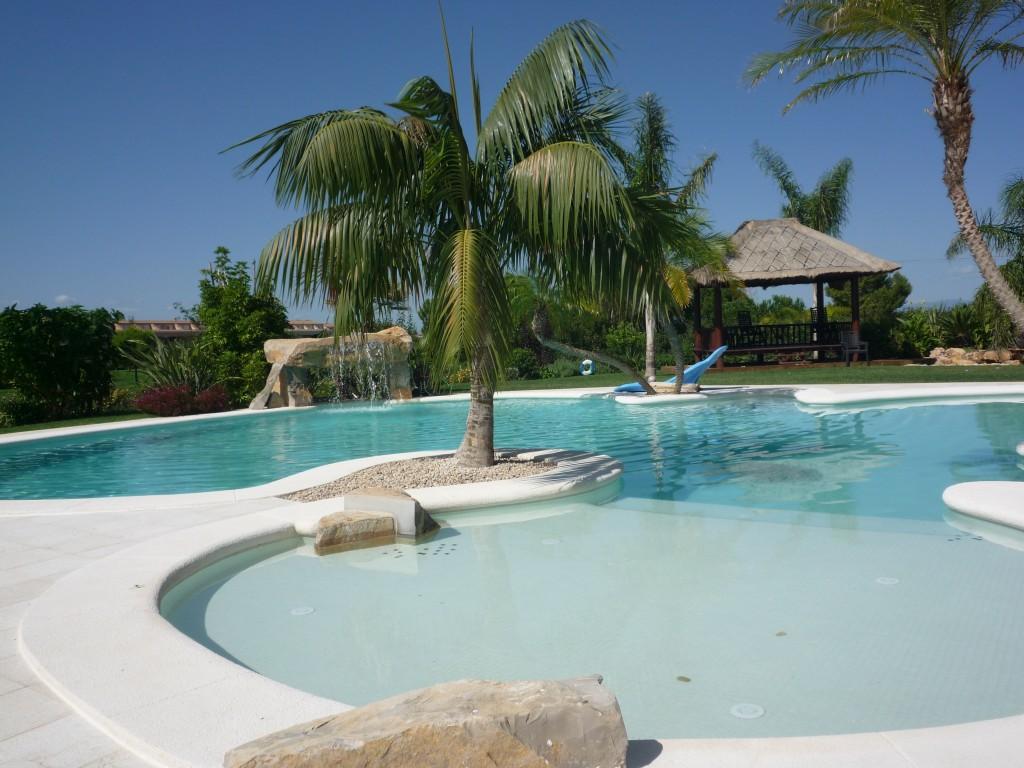 Piscinas de obra construcci n de piscinas for Hacemos piscinas